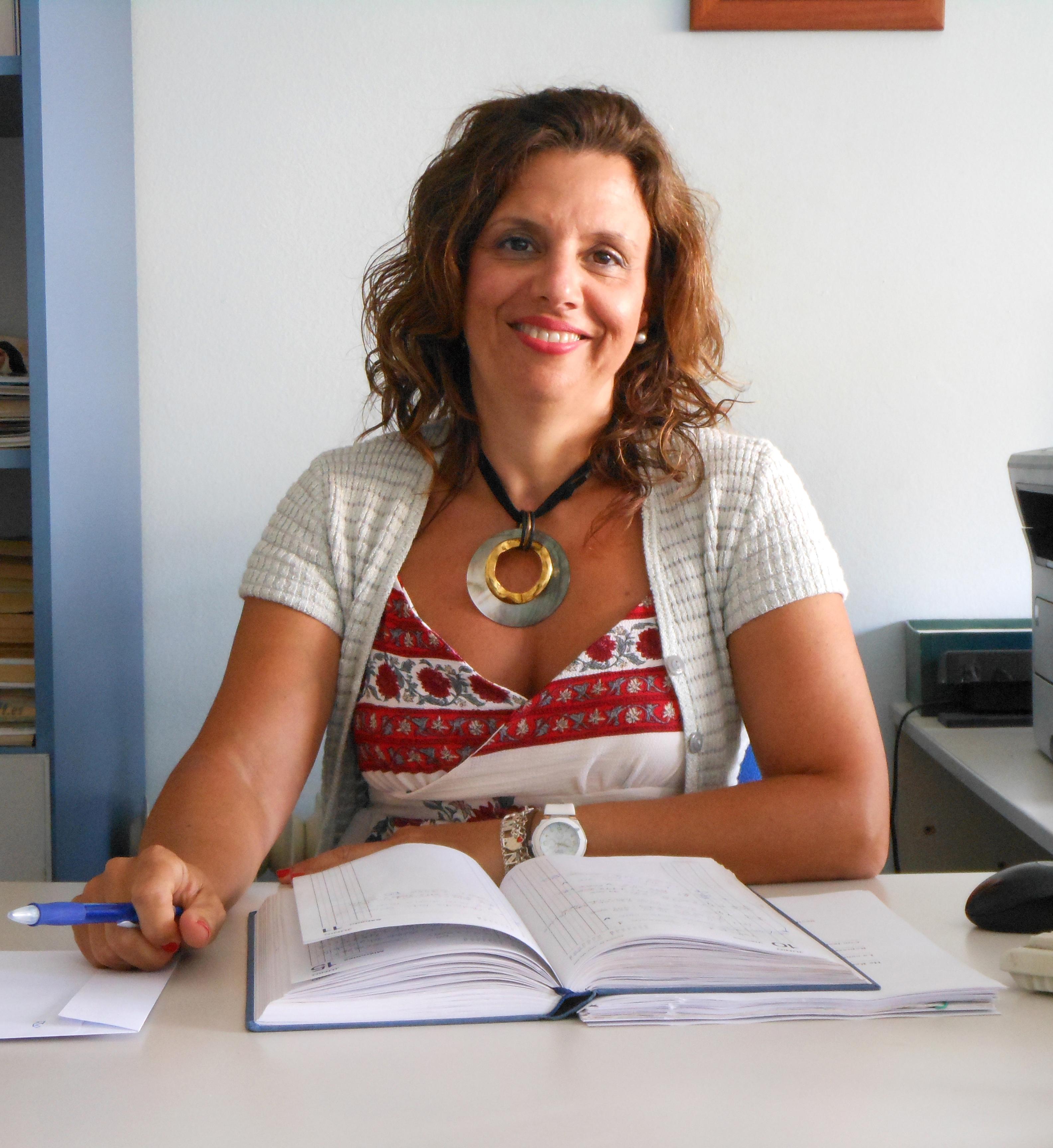 Cuidados y Asistencia realiza servicios de atención domiciliaria en domicilio y en centros sanitarios de Sevilla
