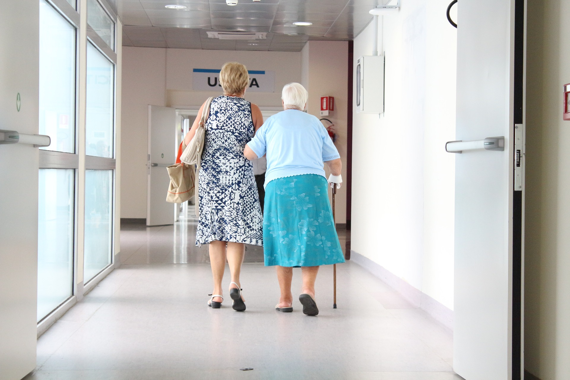 Cuidados y Asistencia, servicio de ayuda a domicilio en centros de salud y hospitales en Sevilla